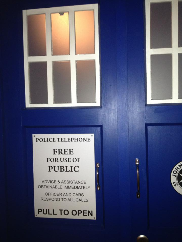 TARDIS-phonebox